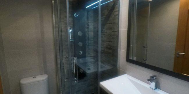 Baño del piso en venta