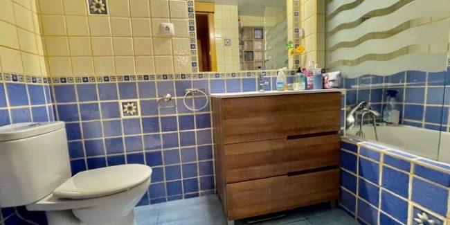 Piso Zona Montigala baño