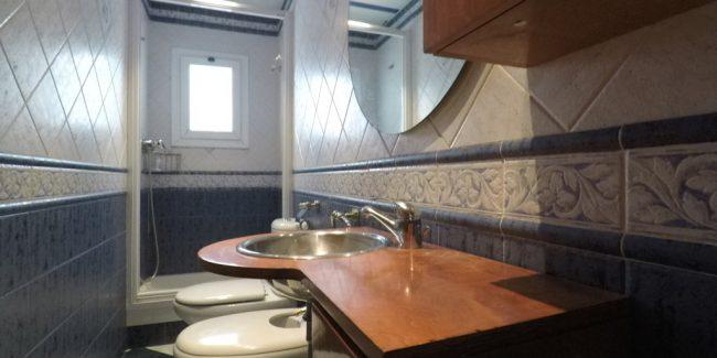 baño-piso-santa-coloma-rambla-san-sebastian-Noucasa.JPG