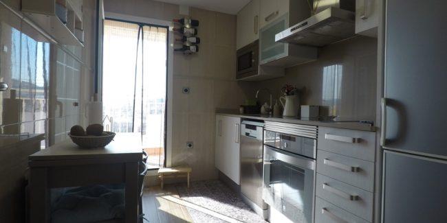 cocina piso en venta santa coloma de gramanet noucasa avenida banús